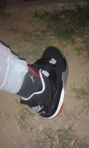 Zapatos Jordan Retro4