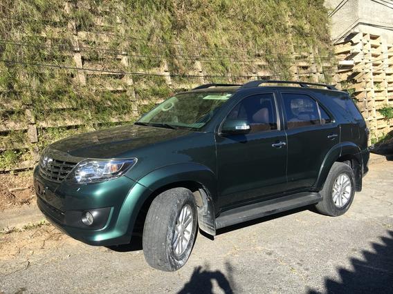 Toyota Fortuner 4x4 Verde