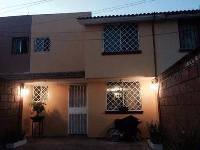 Casa Sola En Venta Fracc. Paseos Del Valle