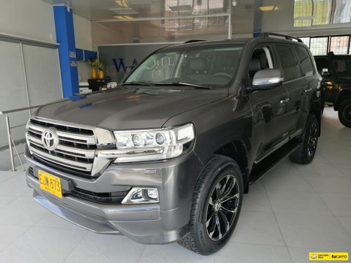 Toyota Land Cruiser 200 4.5