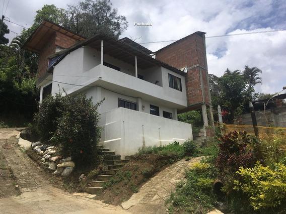 Casa Grande En Pajarito