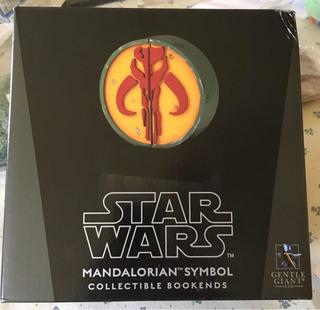 Star Wars Sujeta Libros Mandalorian Bookends Gentle Giant.