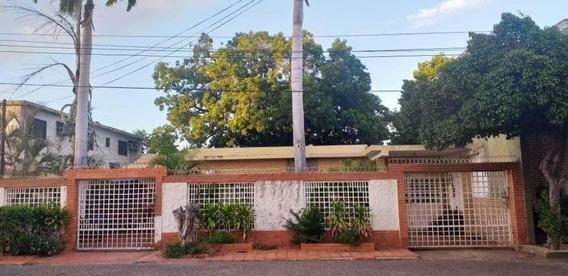 Casa En Venta Maracaibo 20-1718 Ap