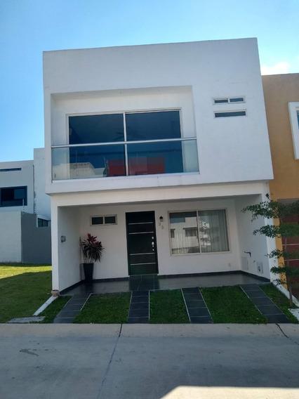 Casa 3 Recamaras Altavista Residencial, Casa Club, Zapopan