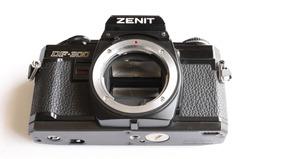 Câmera Fotográfica Analógica Zenit Df 300 ( Reparo )