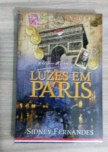 Livro Luzes Em Paris - Romance