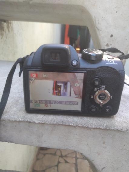 Câmera Fotográfica Fujifilm S4000 + Tripé Universal.