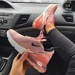 Zapatilla Nike Transparente Para Mujer Deportes y Fitness