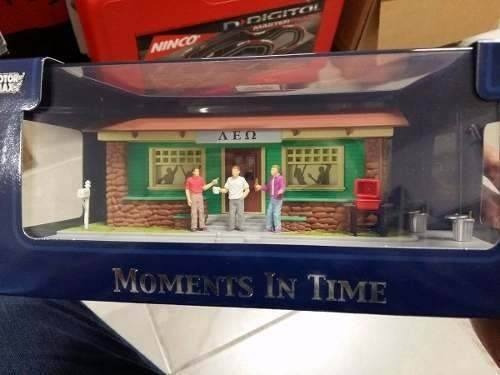 Motor Max Diorama Moments In Time Fraternidad Escala 1:43