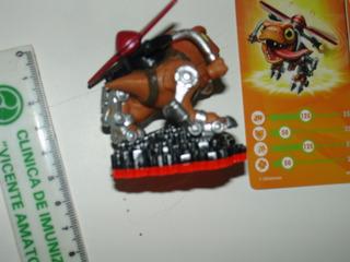 = Skylanders Boneco Chopper Linguarudo Com Card