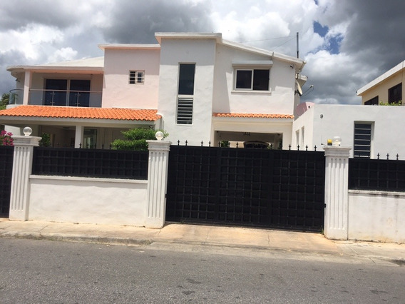 Casa Moderna Casi Nueva En Quisquella La Romana..
