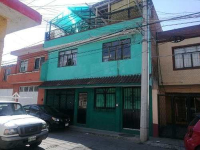 Casa Sola En Venta Isaac Arriaga