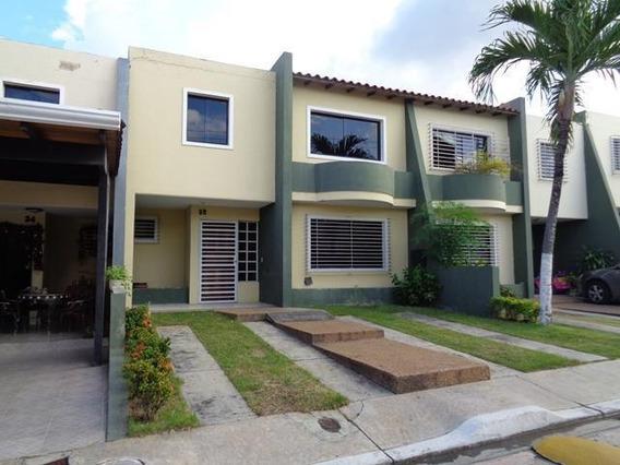 Casa En Venta Venta La Mora 20-1495 Jm 04145717884