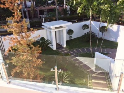 Casa Con Estilo Moderno, En Alameda, Próximo A La Prol. 27