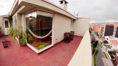 Apartamento En Venta Santa Paula Bogota 19-40a