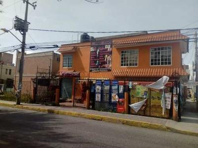 Casa En Condominio Con Locales