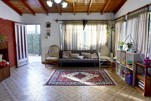 Casa 4 Ambientes En Venta Gonzalez Catan 2 Locales