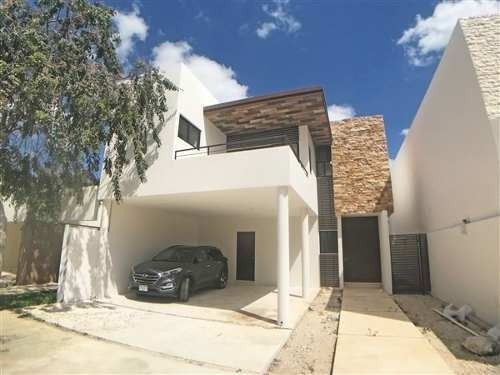 Casa En Privada En Parque Central, Nuevo Cholul
