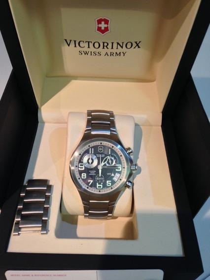 Relógio Victorinox Silver Model 241466