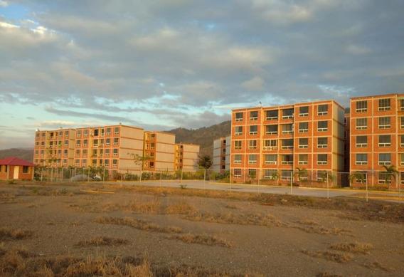 Apartamento En Carayaca, La Guaira