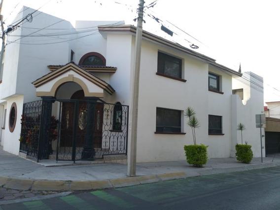 Casa En Renta En Fracc. Colinas Del Cimatario Rcr210217-ss