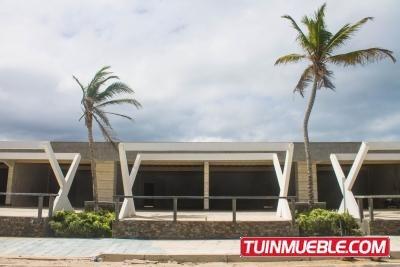 Locales Comerciales En Playa El Agua (#304793)