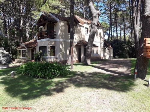 Casa En Pinamar. Zona Norte.