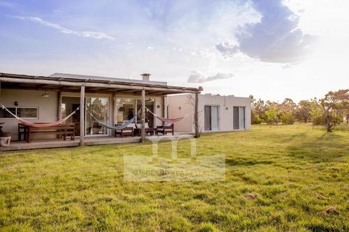 Imagen 1 de 12 de Casa En Venta El Quijote Chacras- Ref: 10