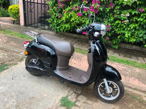 Moto Scooter Eléctrica 60 Km Autonomia, Baterias Nuevas