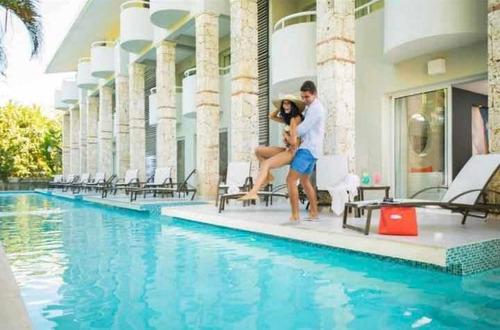 Imagen 1 de 5 de Resort Emotions By Hodelpa Juan Dolió/ Playa Dorada.