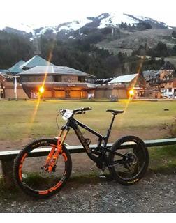 Bicicleta Santa Cruz Nomad V4 2018