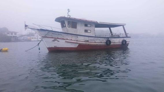 Barco Para Pescaria Ou Passeio Com A Familia
