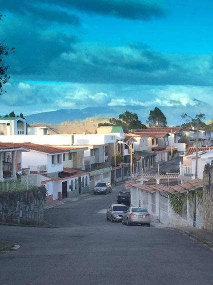 Vendo 2 Casas En 1 Urbanizacion Con Todo Lo Que Necesita.