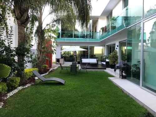 Venta Residencia De Lujo En Condominio Balcones De Juriquilla