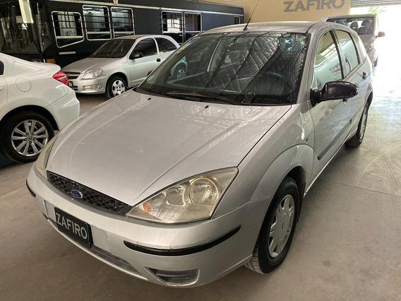Ford Focus Ambiente 1.6 - Año 2004