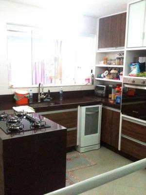 Sobrado De 03 Dormitórios Em São Caetano (novo) - Codigo: So1395 - So1395