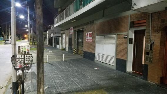 Cocheras En Wilde Centro Para Autos Y Motos.