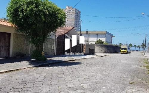 Casa Muito Ampla A 100 Metros Da Praia.