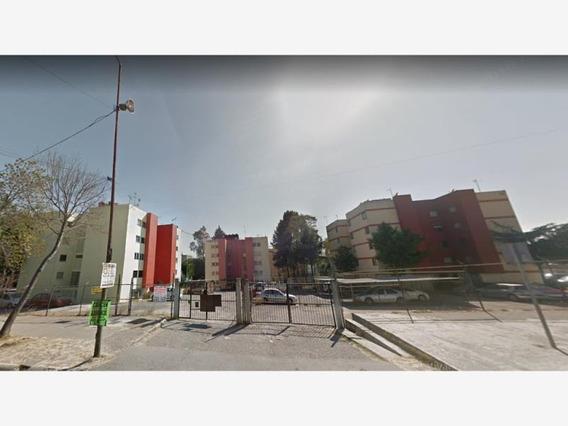 Departamento En Centro Urbano Sector C 74 D
