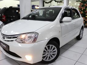 Toyota Etios 1.5 16v Xls 2013 * Bancos De Couro + Rodas *