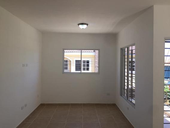 Apartamento En 2do Nivel, Puerto Plata