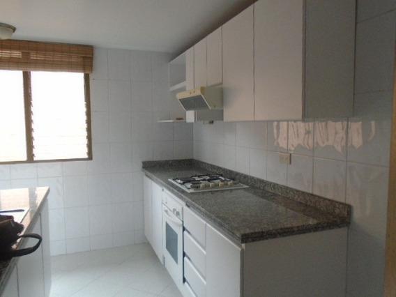 Apartamento En Arriendo Santa Barbara Central 675-1415