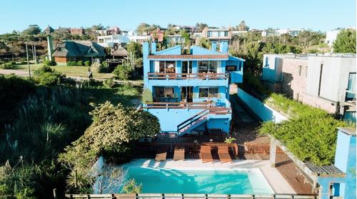 Casa En Punta Piedras - Manantiales- Ref: 3682