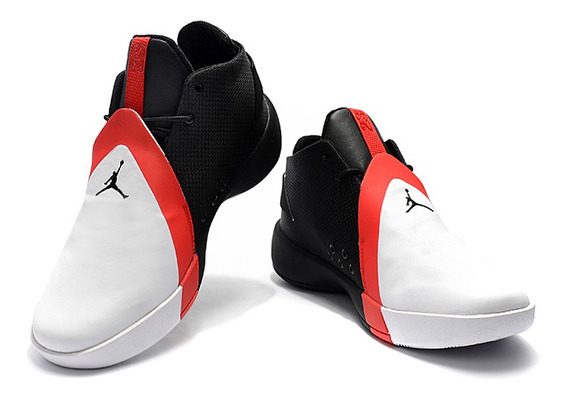 Jordan Ultra Fly 3 Negro Blanco / Zapatos Deportivos Nike