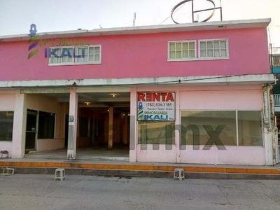 Renta Locales Comerciales Centro De Tuxpan Veracruz En Calle Clavijero, Se Encuentran Ubicados En El Interior De Calle Clavijero De La Colonia Centro Casi Frente A Donde Estaba La Tienda Del Issste,