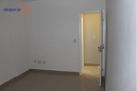 Apto No Centro De Dois Dormitorios Para Locaçao - Ap8031