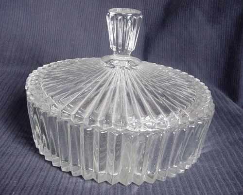 Antigua Copetinero De Vidrio Transparente Tallado