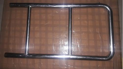 Imagem 1 de 5 de Escada Inox Basculante Para Barco