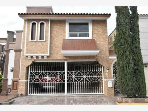Casa En Venta En Cerradas De Anahuac 1er Sector