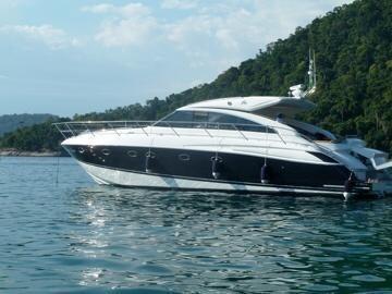 Lancha Princess V56, Ano 2011 - Marina Atlântica